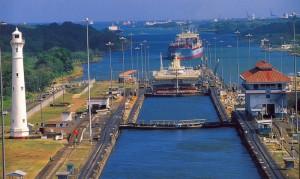 現在のパナマ運河