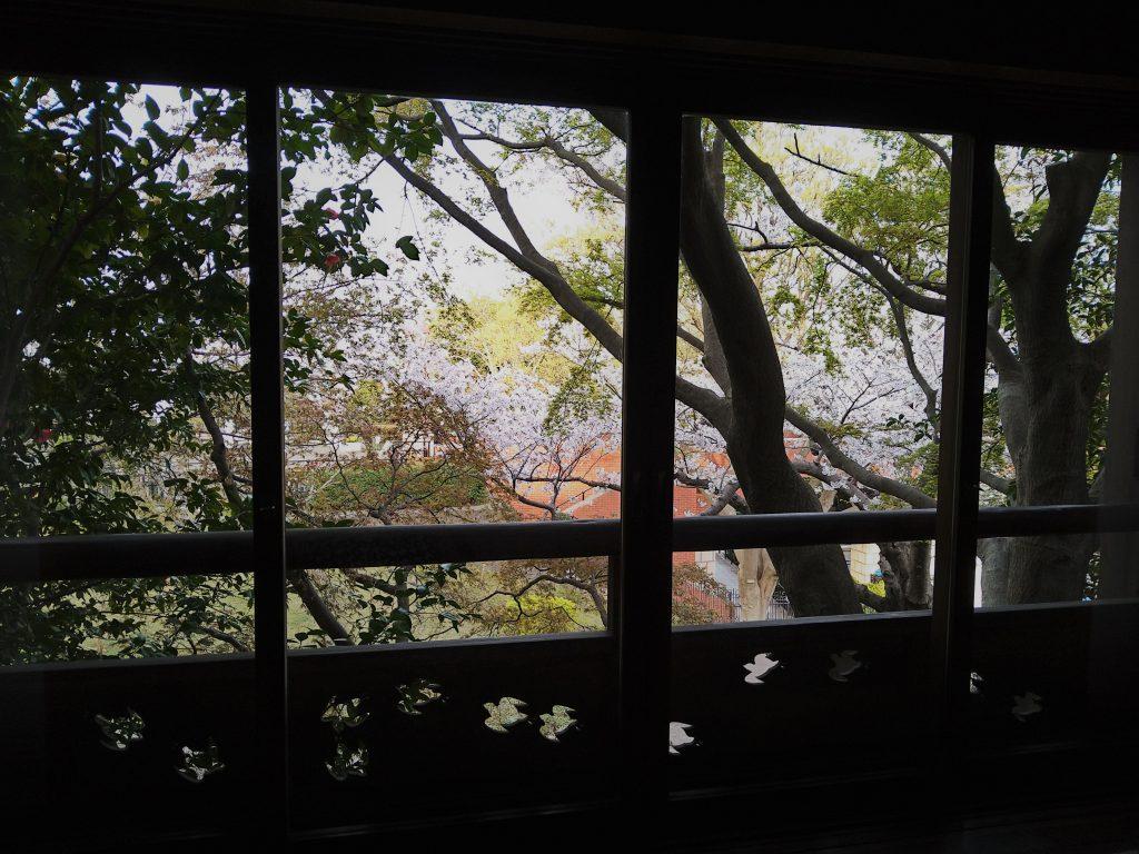 和室汐見窓からの眺め
